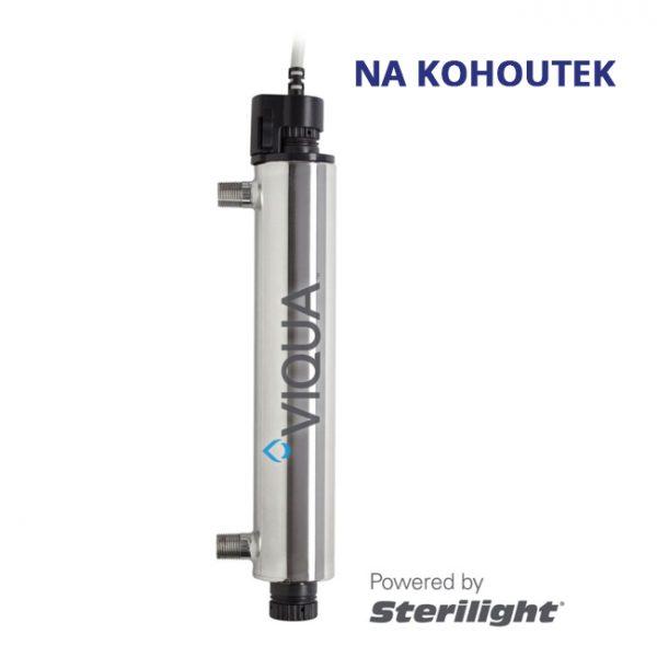 Malá a vysoce účinná UV lampa VIQUA VT4/2 se 20W zářivkou a průtokem 540 litrů za hodinu určená k odstranění virů, bakterií, cyst a jiných mikroorganismů ve vodě.